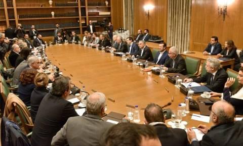 Μαξίμου: Ούτε ένας βουλευτής της κυβέρνησης δεν θα συμπράξει στο σχέδιο αποσταθεροποίησης της χώρας