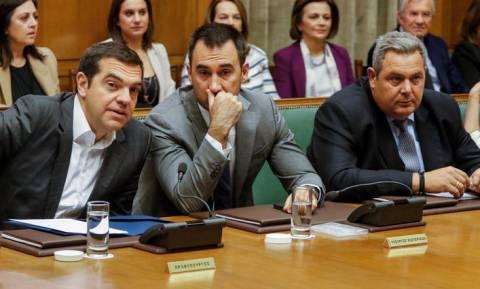 «Σφάζονται» Μαξίμου - ΝΔ μετά το Υπουργικό Συμβούλιο