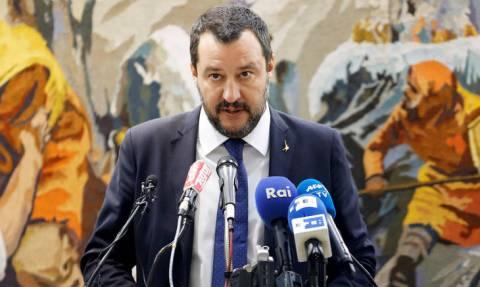 Σαλβίνι κατά Γαλλίας: Διεθνής ντροπή αστυνομικοί να οδηγούν μετανάστες στην Ιταλία
