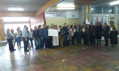 Χαμός στη Φιλοσοφική – Επιχειρείται ανακατάληψη στο «γραφείο» του Ρουβίκωνα