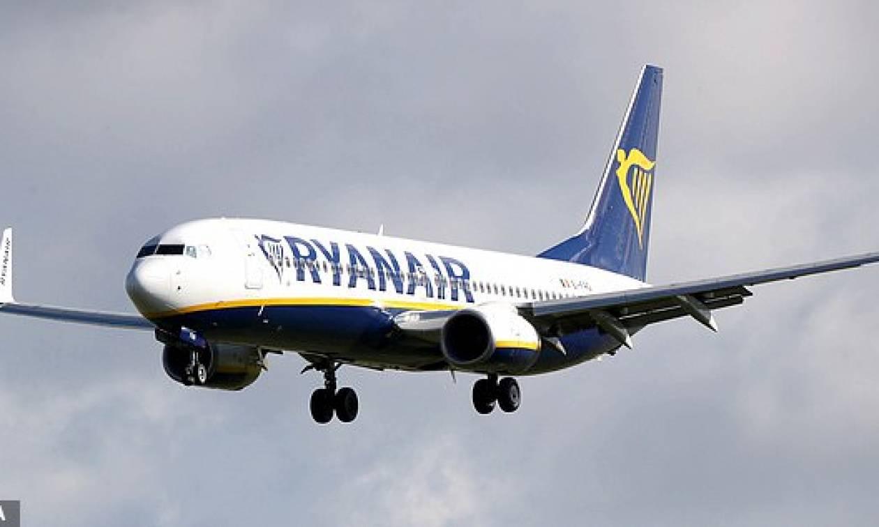 Πλήρωμα της Ryanair κοιμήθηκε στο πάτωμα αεροδρομίου γιατί δεν τους έκλεισαν ξενοδοχείο! (pic)