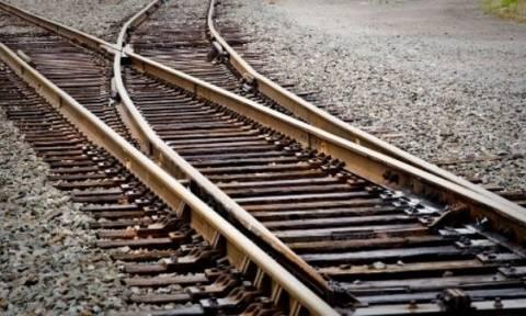 Θρίλερ στη Θεσσαλονίκη: Εντοπίστηκε πτώμα σε ράγες τρένου