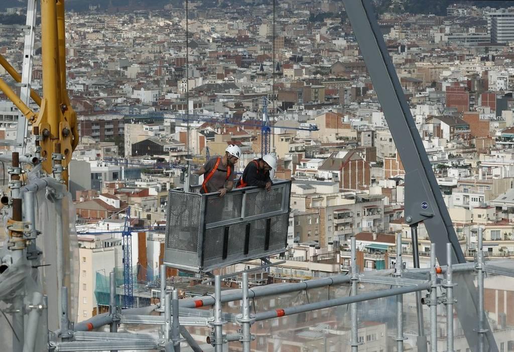 Ισπανία: Πρόστιμο «μαμούθ» θα πληρώσει ο εμβληματικός ναός Σαγράδα Φαμίλια! (pics)