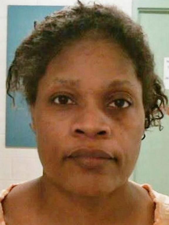 Φρίκη: Γιαγιά από την Κόλαση έσφαξε και έψησε στο φούρνο την εγγονή της (pics)