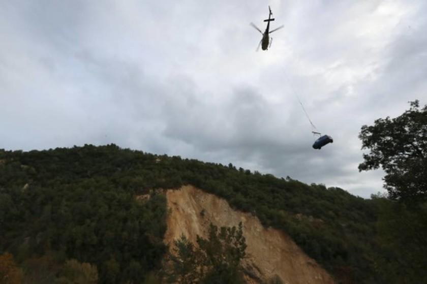 Απίστευτο: Χωριά στις Άλπεις έχουν αποκλειστεί από τον Απρίλιο – Φοβούνται ότι θα πεθάνουν (Vids)