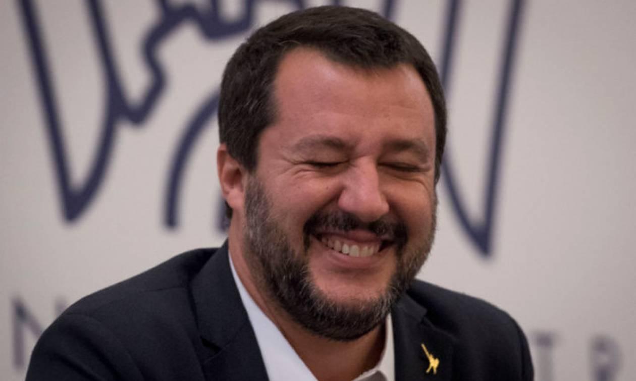 Σαλβίνι: «Ηρεμήστε! Η Ιταλία δε θα βγει ούτε από το ευρώ ούτε από την Ευρωπαϊκή Ένωση»