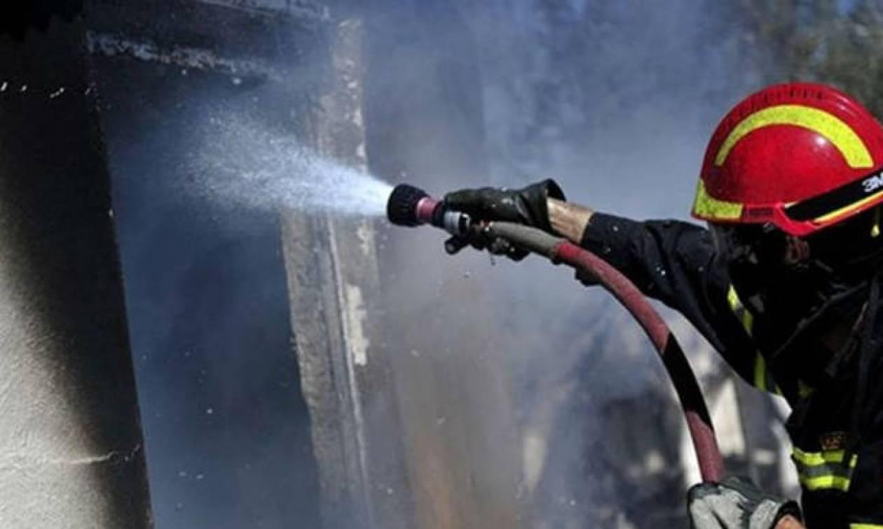 Φωτιά ΤΩΡΑ: Στις φλόγες μονοκατοικία στον Ταύρο