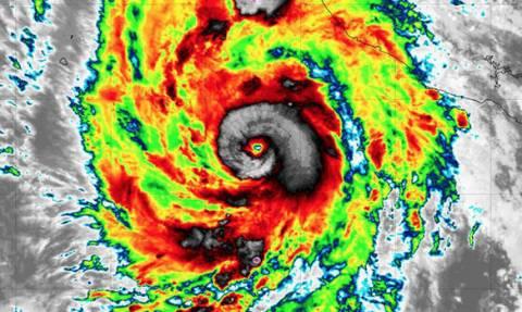 Έρχεται «βιβλική» καταστροφή: Κώδωνας κινδύνου για τον τυφώνα Ουίλα