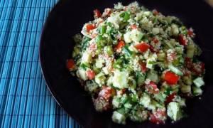Η συνταγή της ημέρας: Σαλάτα ταμπουλέ με κινόα