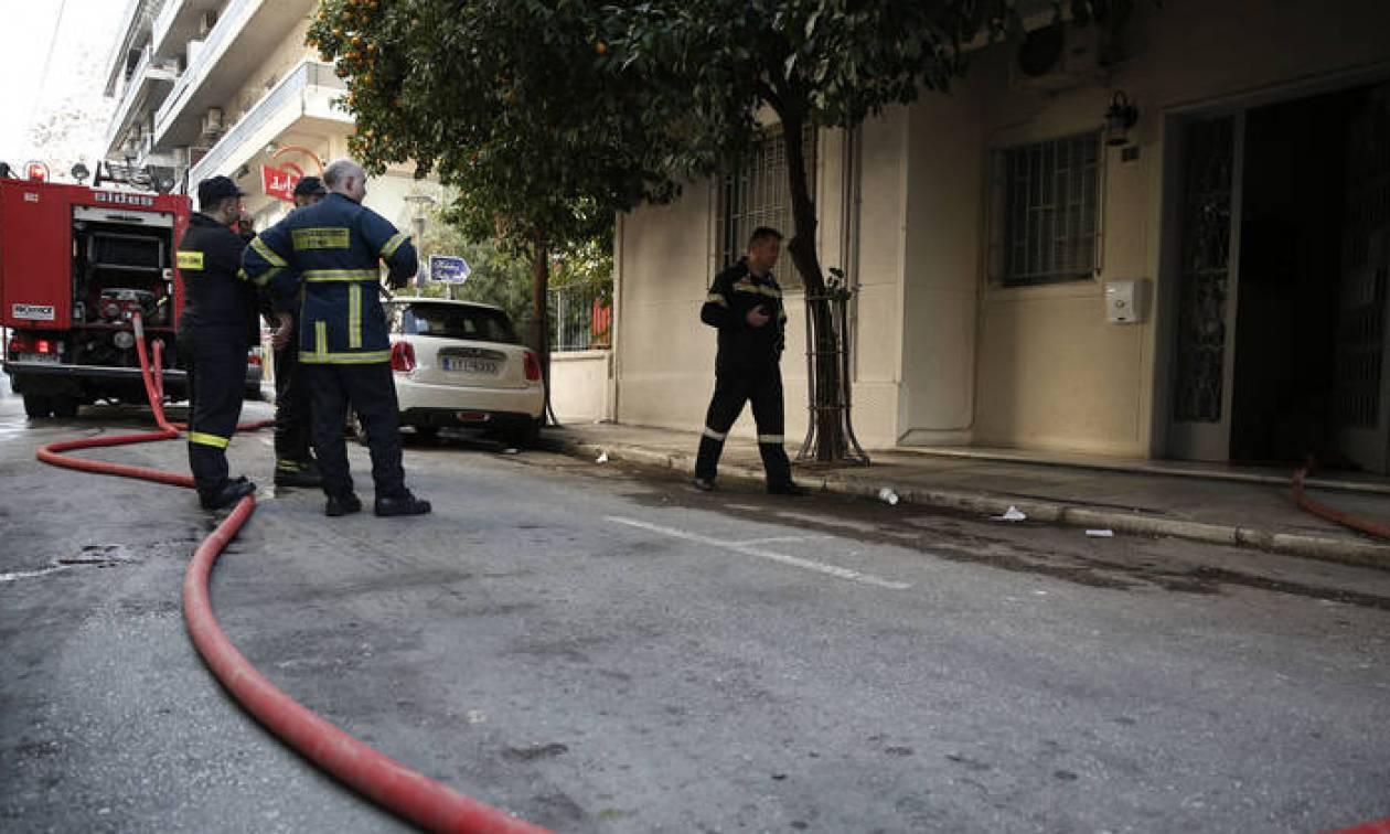 Φωτιά σε πολυκατοικία στο κέντρο της Αθήνας