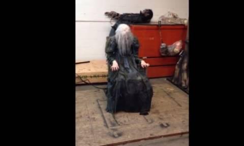 Δείτε το πιο τρομακτικό κόλπο για το Halloween! (vid)