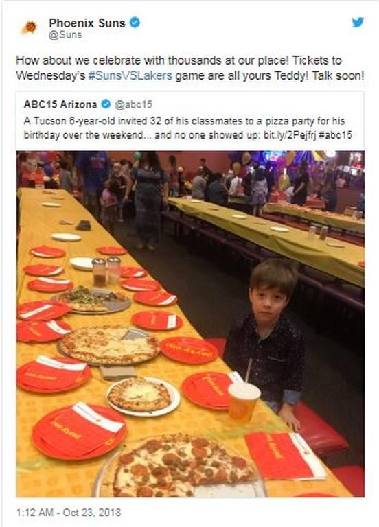 Η φωτογραφία που «γονάτισε» το Διαδίκτυο! Κάλεσε 32 συμμαθητές στα γενέθλιά του και δεν πήγε κανείς