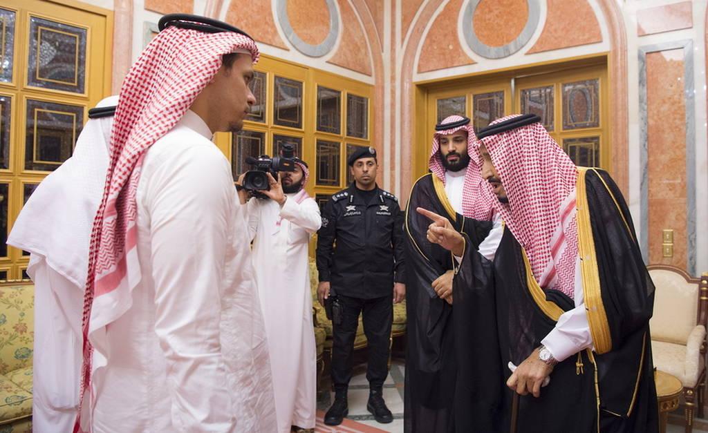 «Στάχτη στα μάτια;» Ο βασιλιάς της Σαουδικής Αραβίας συναντήθηκε με μέλη της οικογένειας του Κασόγκι