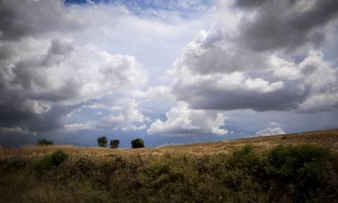 Χωρισμένος στα... δύο ο καιρός της Τετάρτης - Δείτε πού θα σημειωθούν βροχές και καταιγίδες (pics)