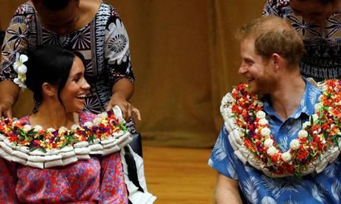 Xάρι και Μαρκλ: Με κλίμα και παιδεία στην ατζέντα τους γράφουν ιστορία στα πολύπαθα Φίτζι