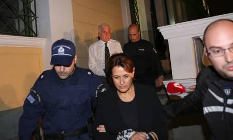 Η πρώτη νύχτα του Γιάννου Παπαντωνίου και της συζύγου του στη φυλακή