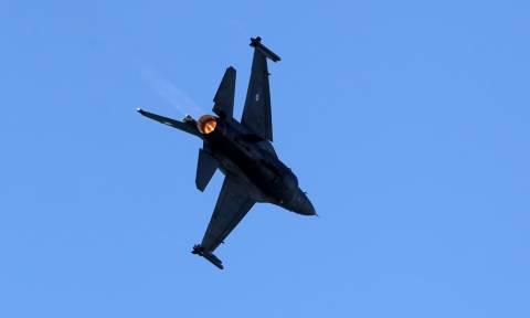 Ανατριχίλα: Το F-16 «ΖΕΥΣ» της Πολεμικής Αεροπορίας «σκίζει» τους αιθέρες (pics)