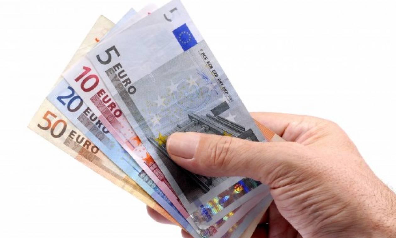 Κοινωνικό Εισόδημα Αλληλεγγύης: Στους λογαριασμούς των δικαιούχων τα χρήματα
