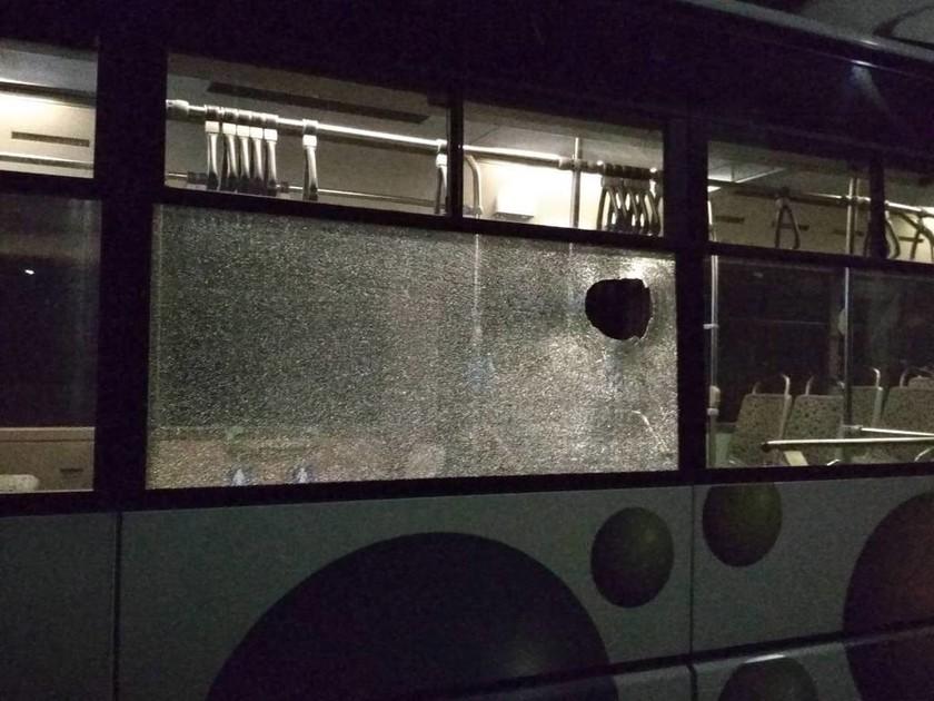 Ρεπορτάζ Newsbomb.gr: Επιθέσεις με πέτρες σε λεωφορεία - «Αυτό είναι το μεροκάματο του τρόμου»