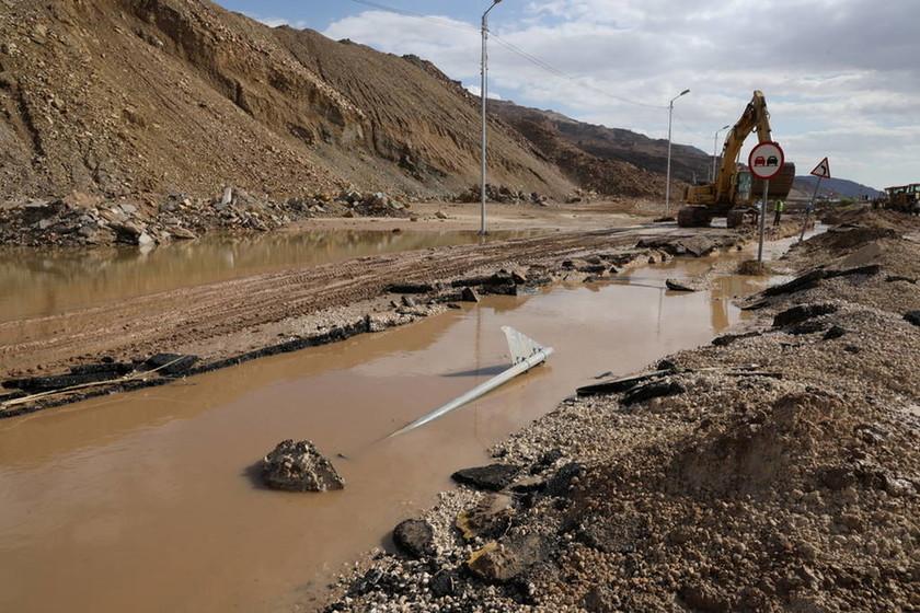 Τραγωδία στην Ιορδανία: Σχολικό λεωφορείο παρασύρθηκε από χείμαρρο - 20 οι νεκροί από τις πλημμύρες
