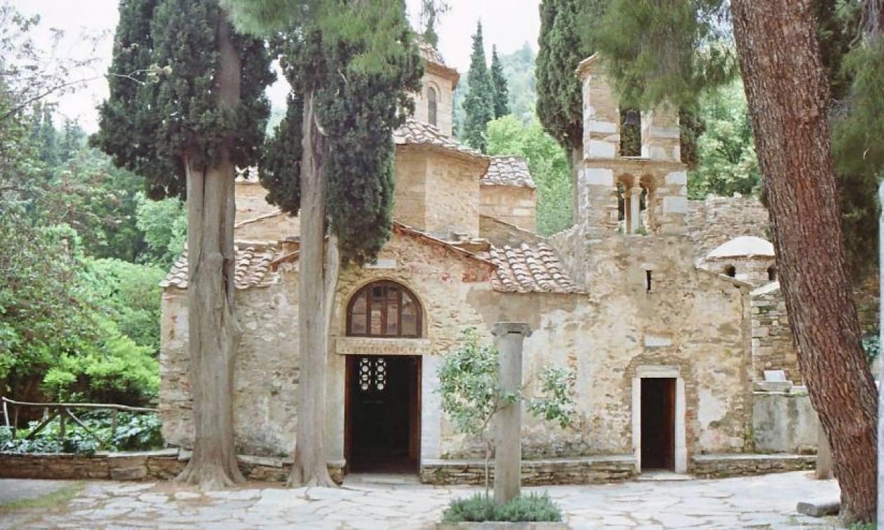 Άγιος Δημήτριος Λουμπαρδιάρης, ένα εκκλησάκι στου Φιλοπάππου (pics)