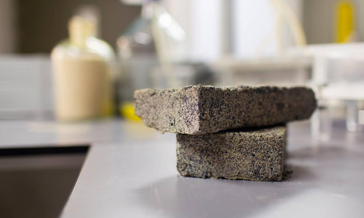 Τι άλλο θα ακούσουμε! Έφτιαξαν τούβλα από ανθρώπινα ούρα και μας τα «πουλάνε» σαν «υγρό χρυσάφι»