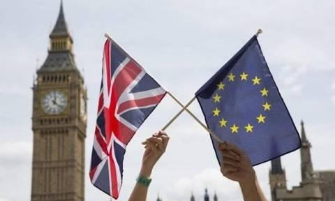 Brexit: Ο Fitch δεν θεωρεί πλέον ότι το Ηνωμένο Βασίλειο θα έχει μια ομαλή έξοδο από την ΕΕ