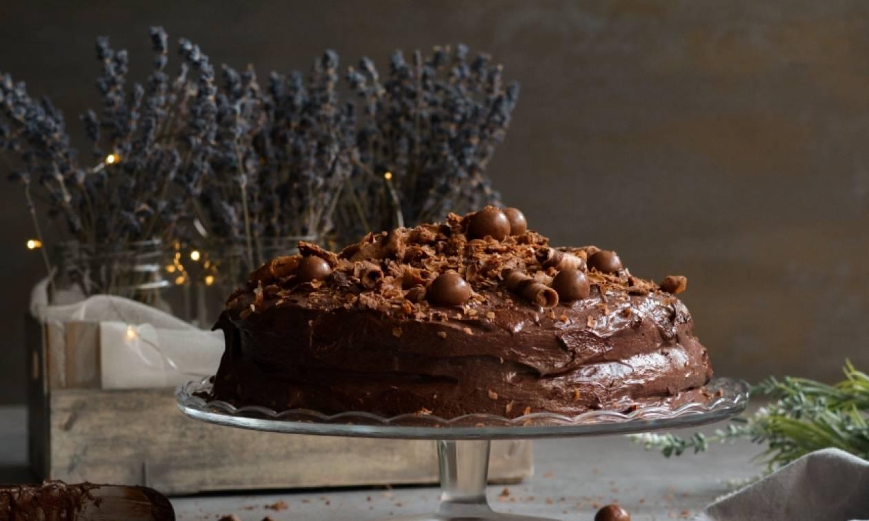 Η συνταγή της ημέρας: Η απόλυτη τούρτα σοκολάτας