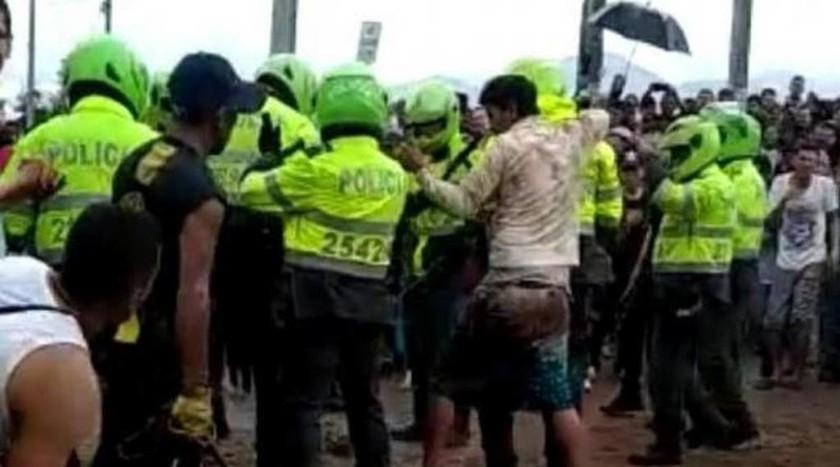 Φρίκη στην Κολομβία: Όχλος λίντσαρε μέχρι θανάτου «παιδεραστές» για απαγωγή που δε συνέβη ποτέ (Vid)