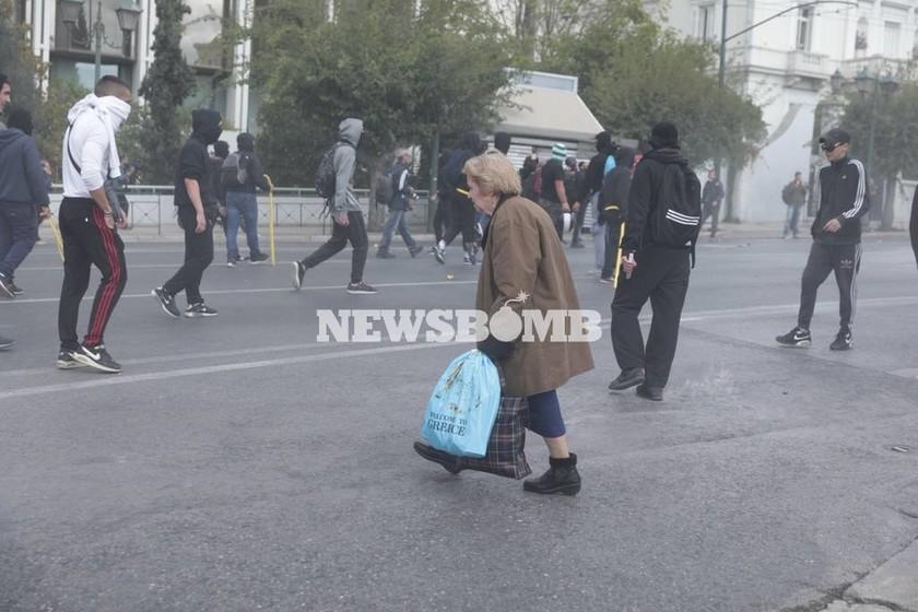 ΕΚΤΑΚΤΟ: Επεισόδια ΤΩΡΑ στο κέντρο της Αθήνας