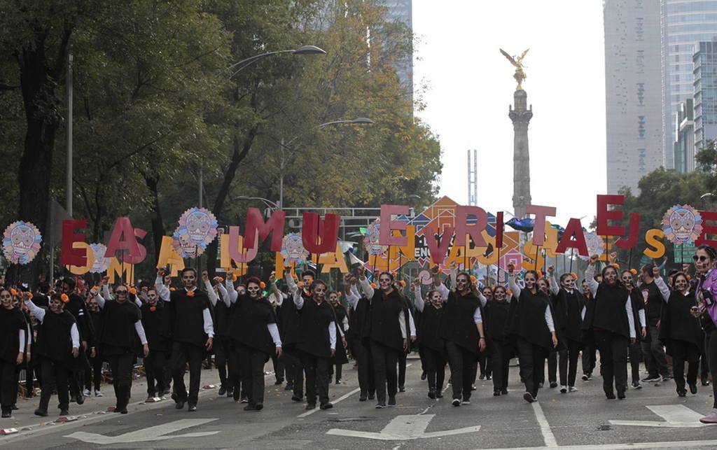 Χιλιάδες Μεξικανοί γιορτάζουν την «Ημέρα των Νεκρών» (pics)