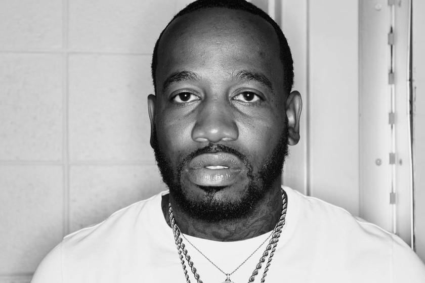 ΕΚΤΑΚΤΟ: Δολοφόνησαν διάσημο τραγουδιστή με μια σφαίρα στην πλάτη (Pics+Vid)