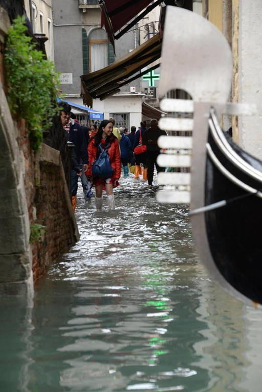Σφοδρή κακοκαιρία χτυπά την Ιταλία: Tέσσερις νεκροί – «Βυθίστηκε» η Βενετία - Δείτε LIVE εικόνα