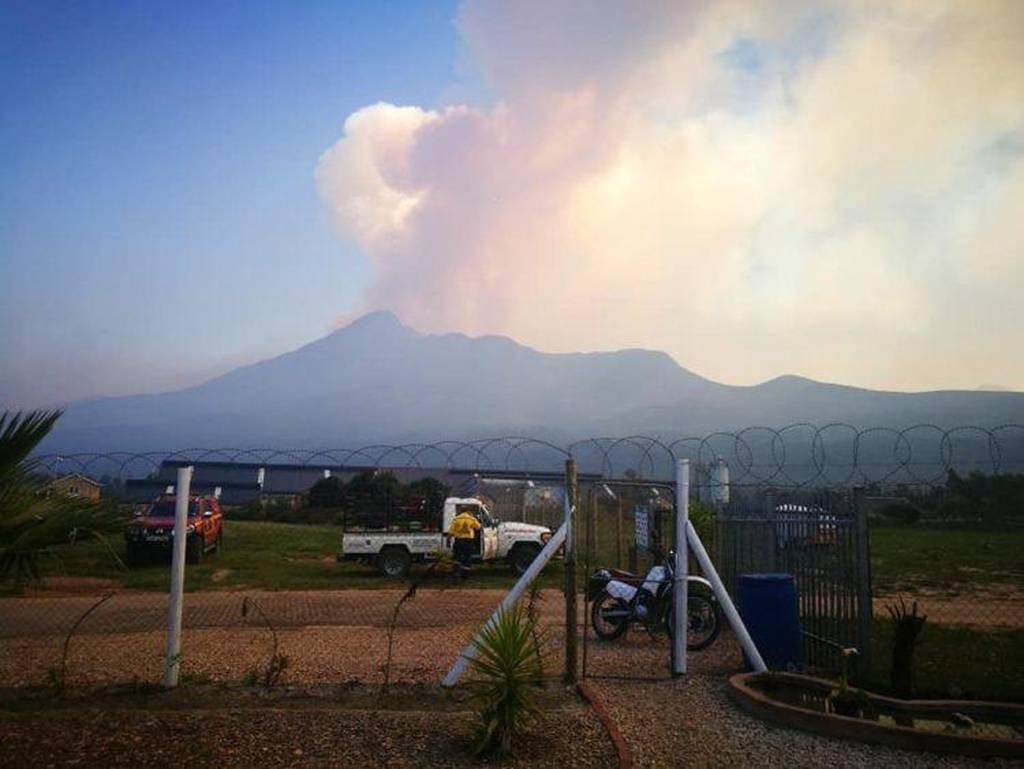 Τραγωδία στη Νότια Αφρική: Ένα μωρό και μια έγκυος ανάμεσα στους νεκρούς της τεράστιας πυρκαγιάς