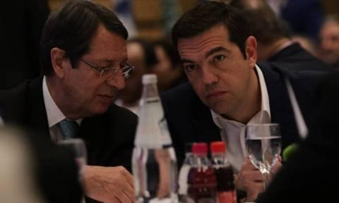 Για τις εξελίξεις στο Κυπριακό ενημέρωσε τον Τσίπρα ο Νίκος Αναστασιάδης