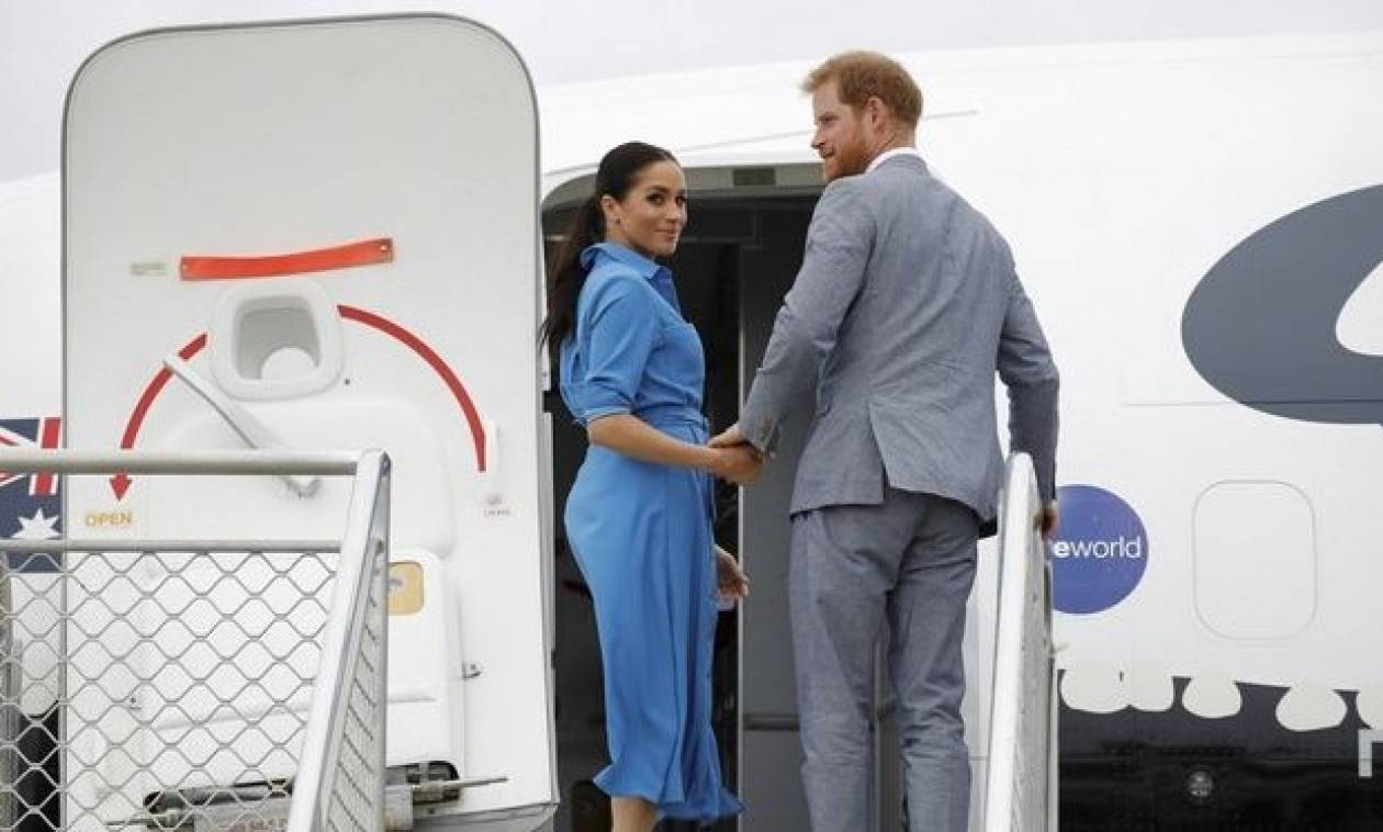 Η ανατριχιαστική στιγμή που το αεροπλάνο του Πρίγκιπα Χάρι παραλίγο να συντριβεί (vid)
