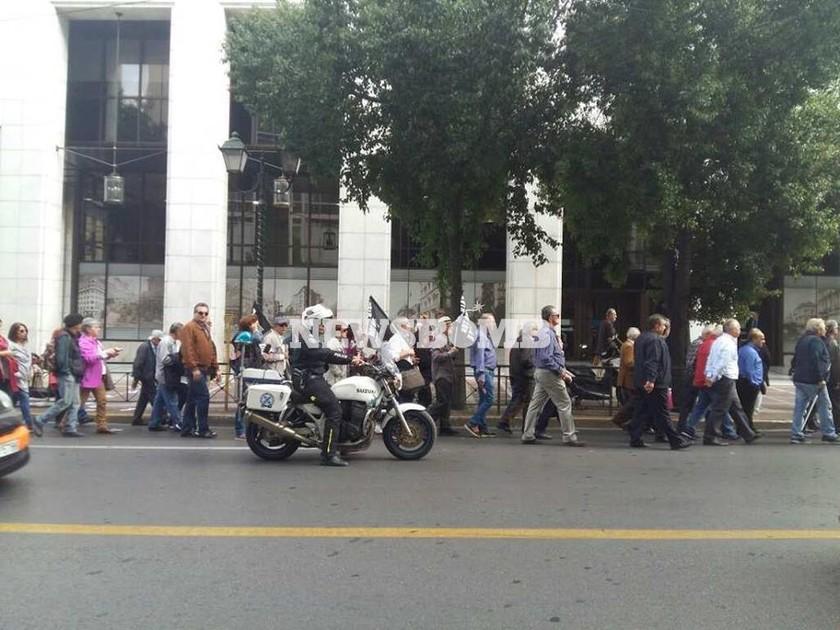 Στους δρόμους οι συνταξιούχοι: Συγκέντρωση διαμαρτυρίας στην Κοτζιά - Ποιοι δρόμοι είναι κλειστοί