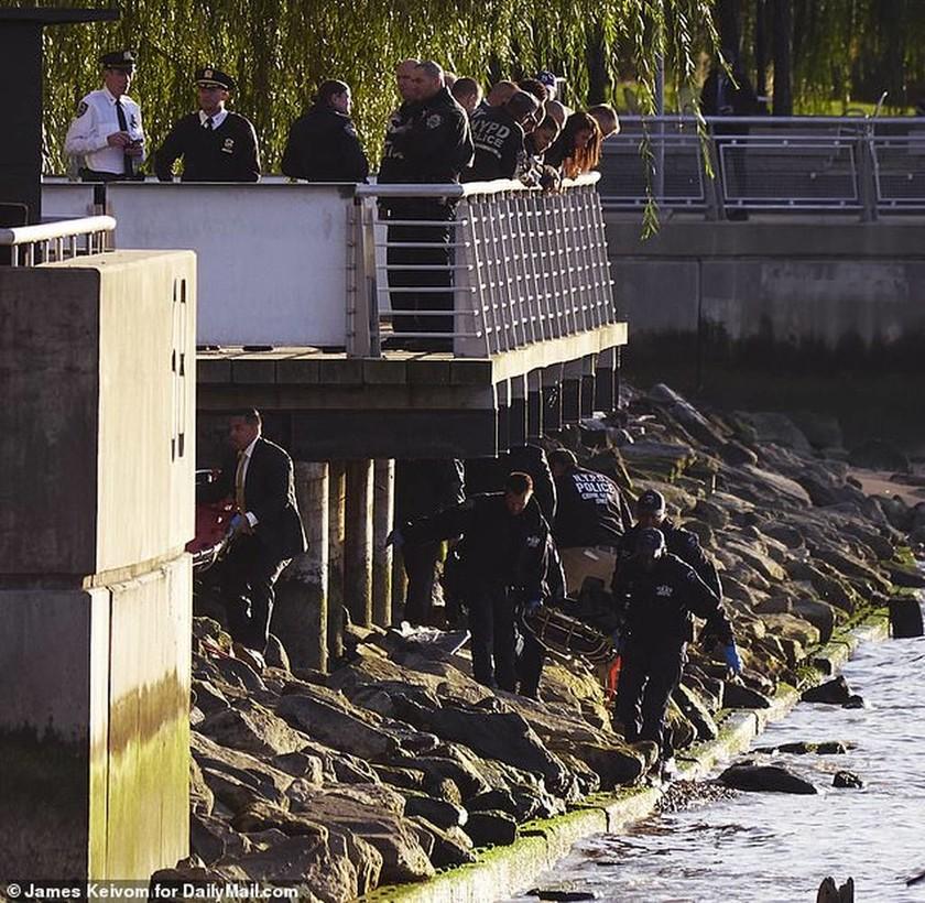 Μυστηριώδης θάνατος κοριτσιών συγκλονίζει τις ΗΠΑ: Βρέθηκαν δεμένες με πανομοιότυπα ρούχα σε ποτάμι