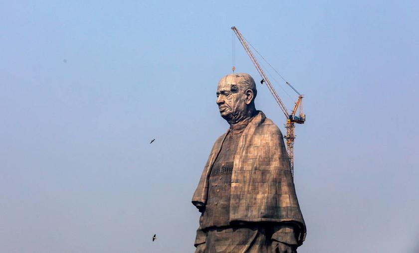 Εντυπωσιακό! Αυτό είναι το υψηλότερο άγαλμα στον κόσμο (pics)