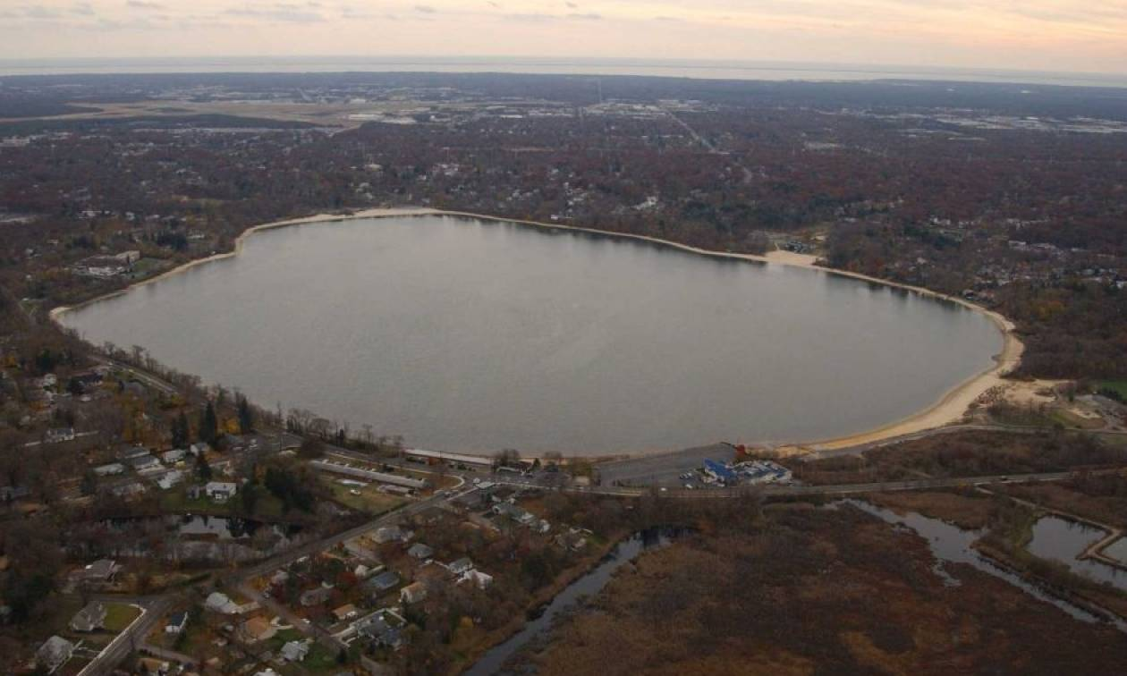 Η στοιχειωμένη λίμνη που κανείς δεν πλησιάζει: Εκατοντάδες πτώματα στο βυθό της