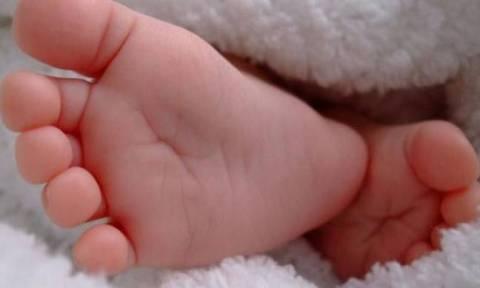 Λαμία: Σοκάρουν οι αποκαλύψεις για την κακοποίηση βρέφους από τον πατέρα