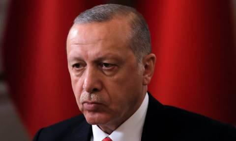 Έκθετος ο Ερντογάν: Βομβάρδισε τους Κούρδους τη στιγμή που επιχειρούσαν κατά του ISIS