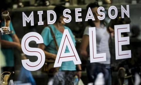 Ενδιάμεσες φθινοπωρινές εκπτώσεις: Σήμερα η πρεμιέρα - Ποια Κυριακή θα λειτουργήσουν τα καταστήματα