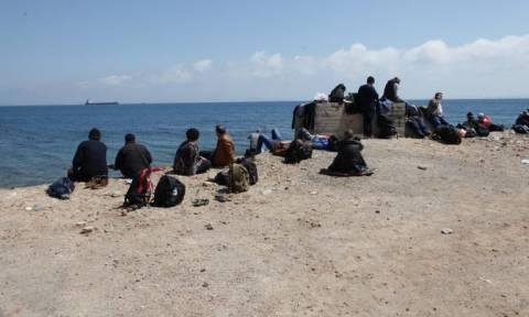 Δεκάδες μετανάστες μεταξύ των οποίων και παιδιά εντοπίστηκαν σε παραλιακή περιοχή της Ηλείας