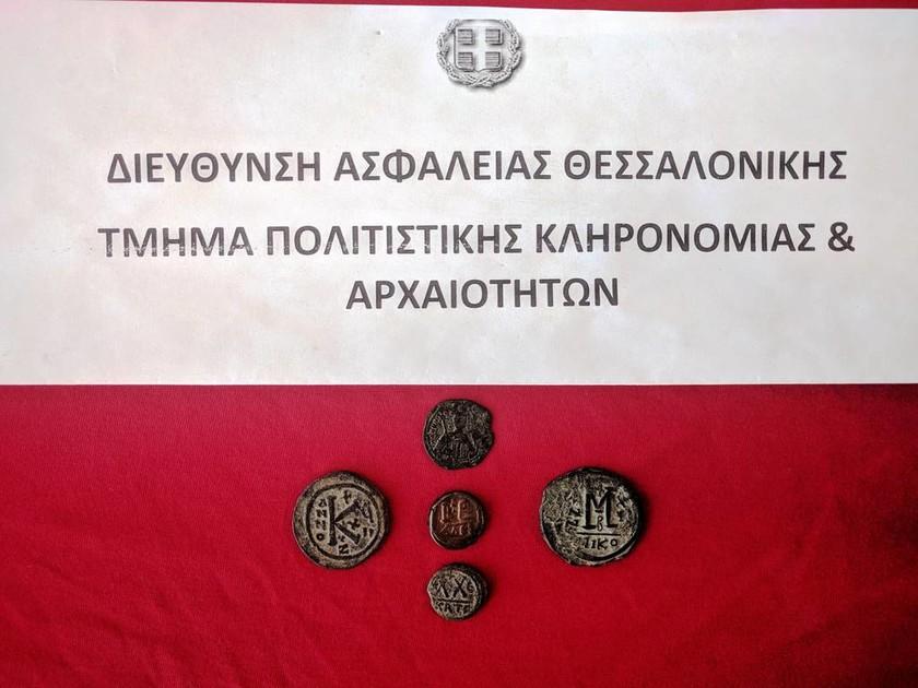 Θεσσαλονίκη: Ζευγάρι έβαζε σε αγγελία στο Διαδίκτυο αρχαία νομίσματα