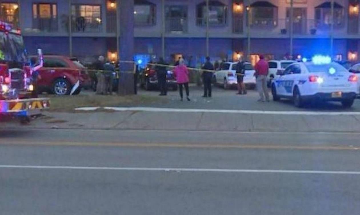 Συναγερμός στη Φλόριντα: Ένοπλος εισέβαλε σε σχολή γιόγκα - Τρεις νεκροί (vids)