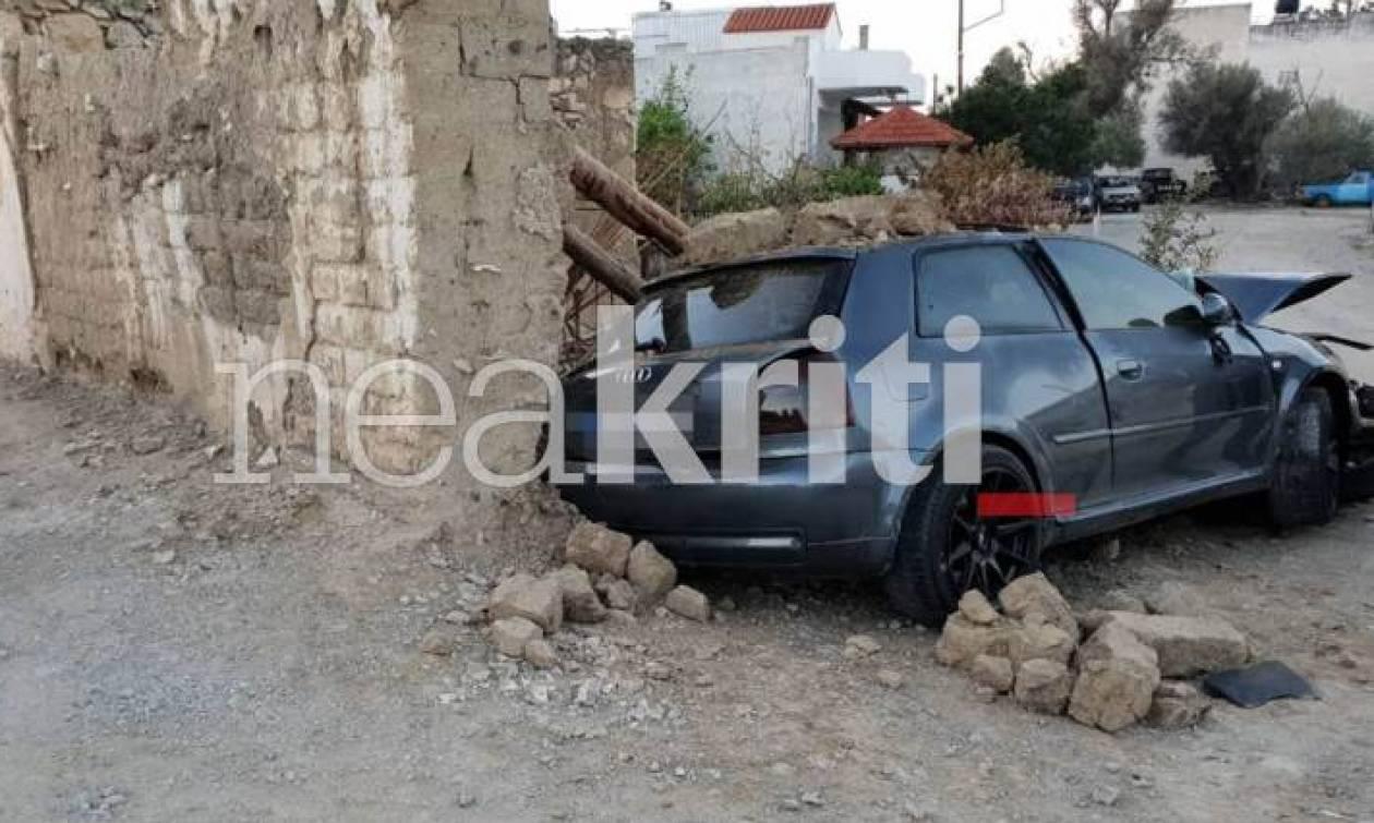 Ηράκλειο: Φρικτό δυστύχημα στο Τυμπάκι - Αυτοκίνητο έπεσε πάνω σε σπίτι - Σοκαριστικές εικόνες