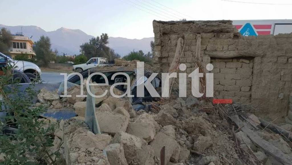 Ηράκλειο: Φρικτό δυστύχημα στο Τυμπάκι - Αυτοκίνητο έπεσε πάνω σε σπίτι - Σοκαριστικές ιεικόνες