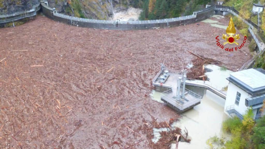 Ιταλία: 17 οι νεκροί από τη φονική θεομηνία - Ισοπεδώθηκαν ολόκληρα δάση! (vid+pics)