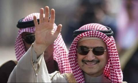 Σαουδική Αραβία: Αποφυλακίστηκε ένας αδελφός του πρίγκιπα Αλ Ουάλιντ μπιν Ταλάλ